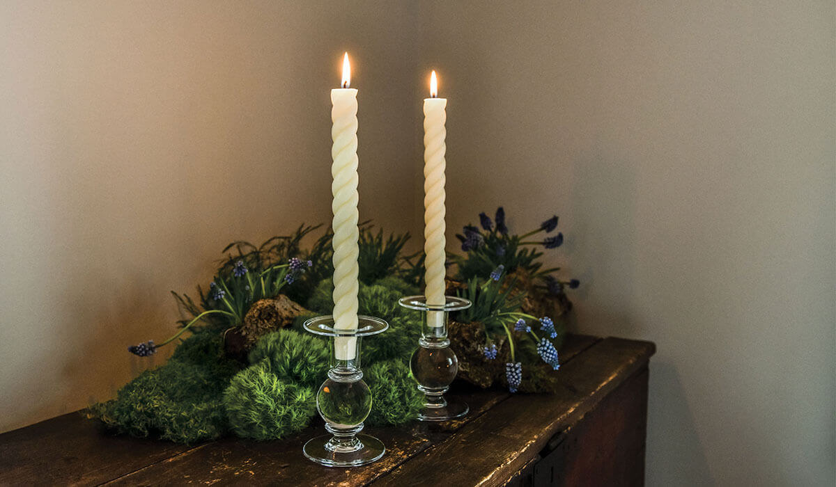 Hartland Candlestick with Ivory Rope Tapers