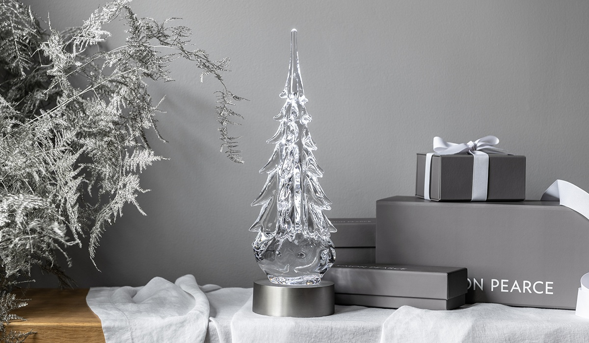 Five-Sided Tree Featured With Simon Pearce Gift Boxes