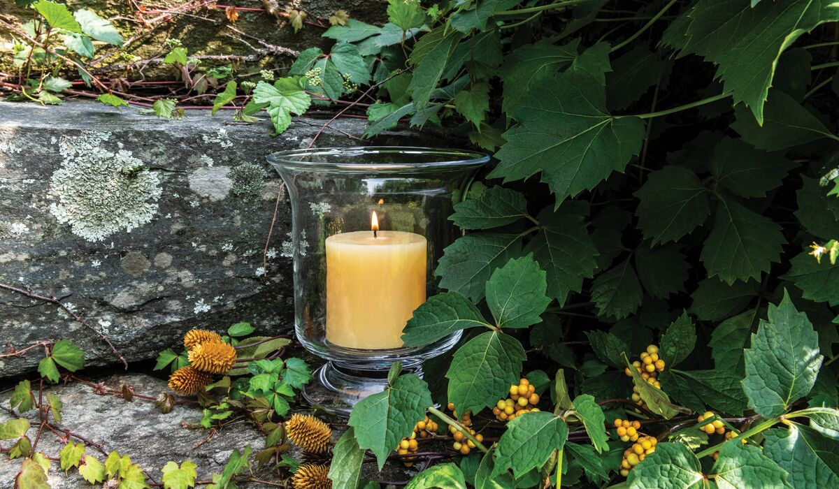 REVERE HURRICANE WITH HONEYSUCKLE CANDLE