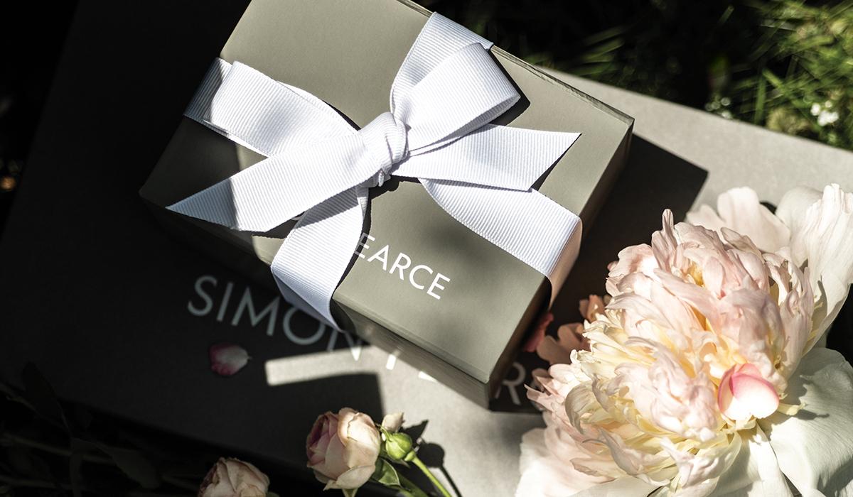 Simon Pearce Grey Gift Box With Flowers